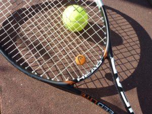 Chcete začít hrát tenis? Poradíme s výběrem tenisové rakety