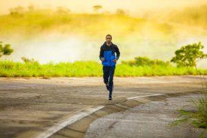Výhody kompresních kalhot, které využijete nejen při běhání