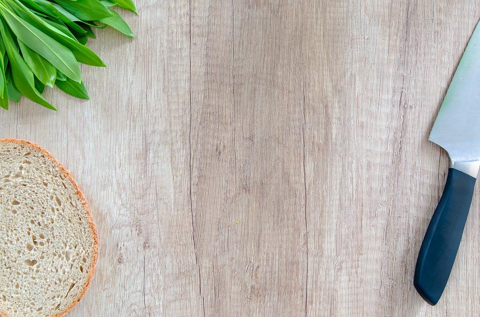 Zdravého medvědího česneku je všude plno. Co z něj vykouzlit?